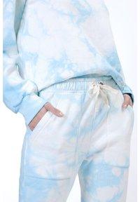 Sixty Ninety - OMBRE TIE DYE - Pantaloni sportivi - blue - 3