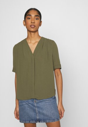 VMZIGGA V NECK - Blouse - ivy green