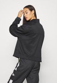 Nike Sportswear - Chaqueta de entrenamiento - black - 2