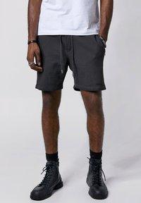 Tigha - Shorts - vintage grey - 0