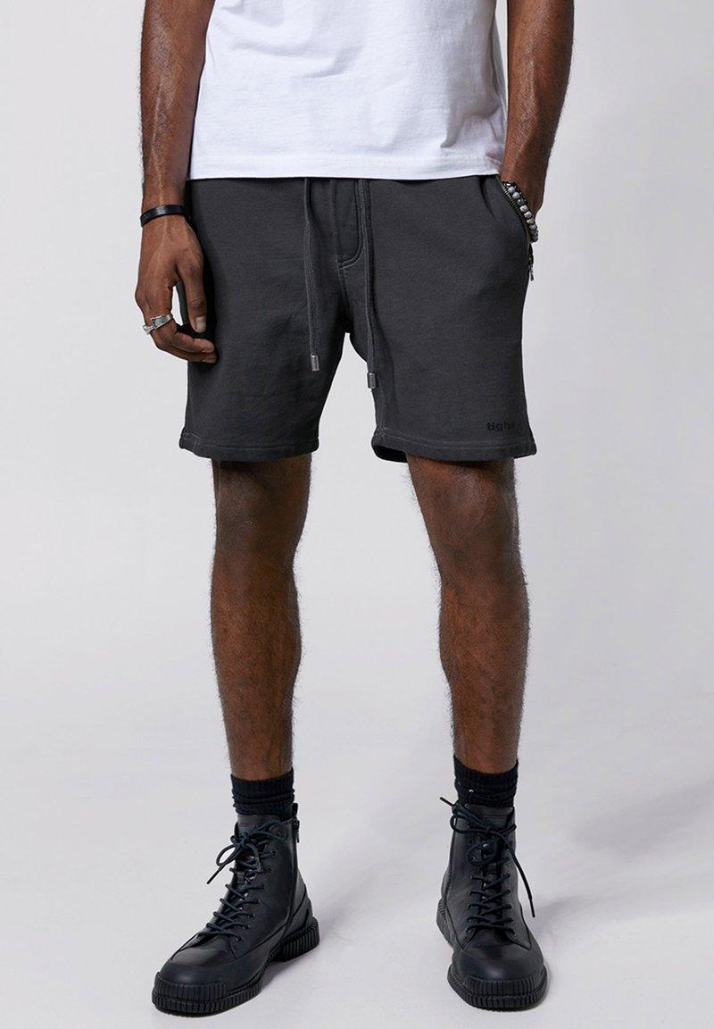 Tigha - Shorts - vintage grey