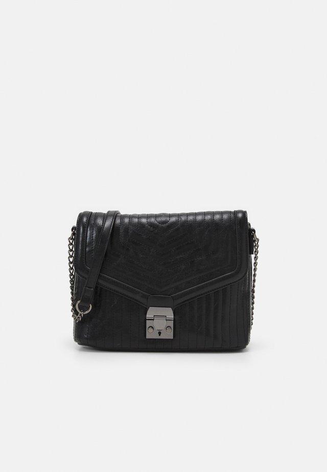 QUILT PUSHLOCK SHOULDER - Handbag - black