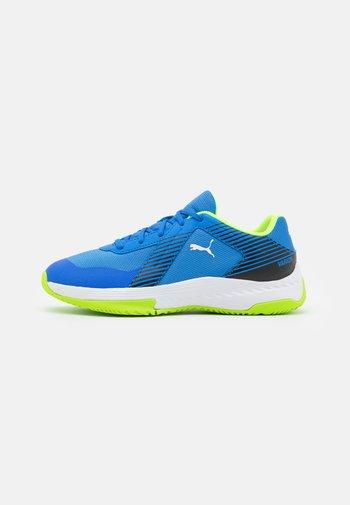 VARION JR UNISEX - Sports shoes - bluemazing/green glare