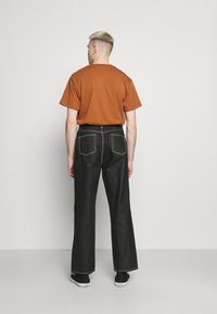Jaded London - RELAXED FIT  - Straight leg jeans - black - 2