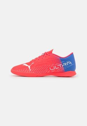 ULTRA 4.3 IT - Fotbollsskor inomhusskor - sunblaze/white/bluemazing