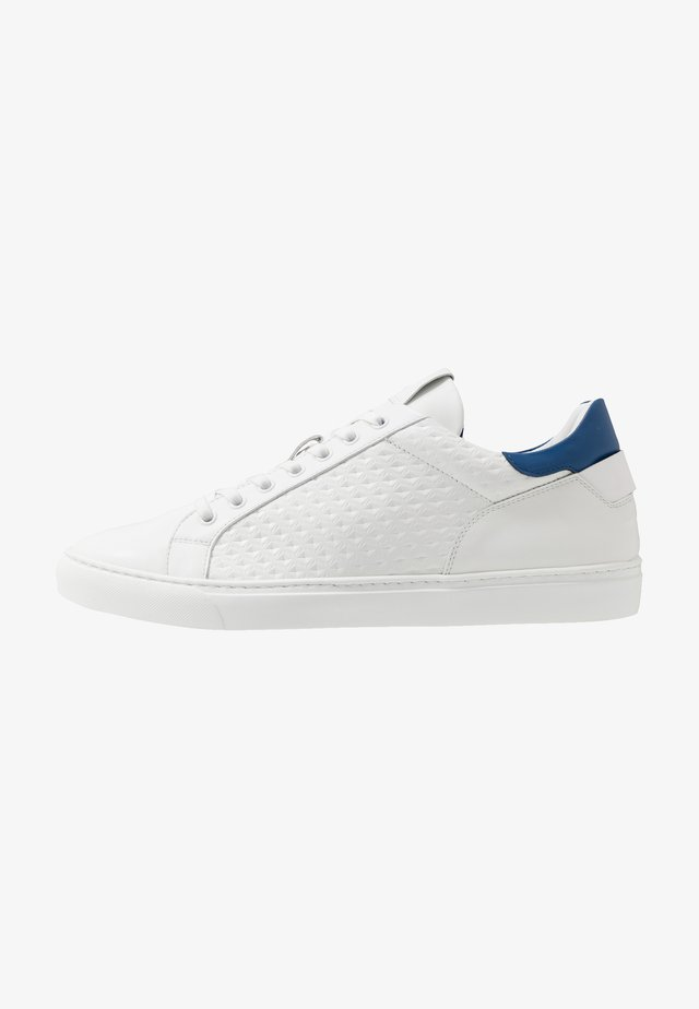 NIZZA 25 - Sneakersy niskie - white/blue