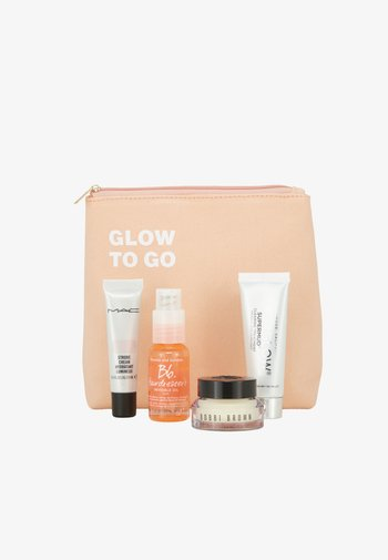 GLOW TO GO SET - Skincare set - -