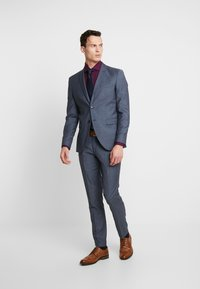 Selected Homme - SLHSLIM MYLOBILL LT SUIT - Kostym - light blue - 1