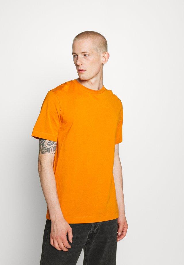 Camiseta básica - rust