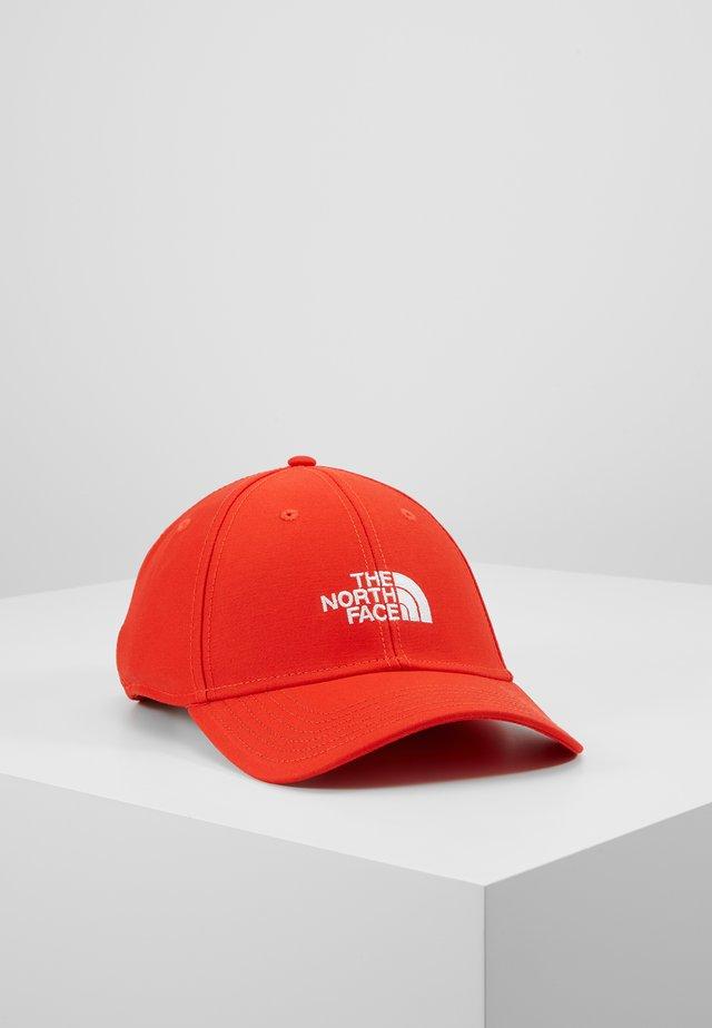 CLASSIC HAT - Kšiltovka - fiery red