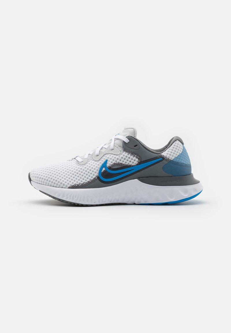 Nike Performance - RENEW RUN 2 - Neutrala löparskor - photon dust/photo blue/smoke grey/white