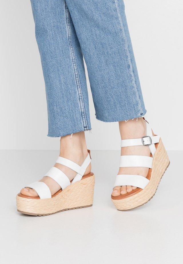 LOANY - Sandaler med høye hæler - white