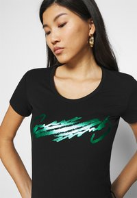 Guess - Print T-shirt - jet black - 4