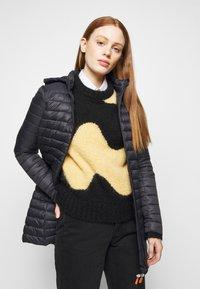 Save the duck - GIGA BRYANNA DETACHABLE HOODED - Winter coat - black - 4
