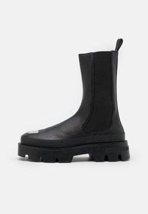 CHELSEA COMBAT BOOT - Kovbojské/motorkářské boty - black