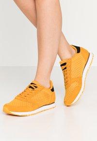 Woden - YDUN SUEDE MESH II - Sneakers - autumn blaze - 0