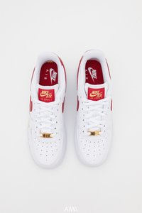 Nike Sportswear - AIR FORCE 1 07 ESS - Sneakers laag - white/gym red - 4
