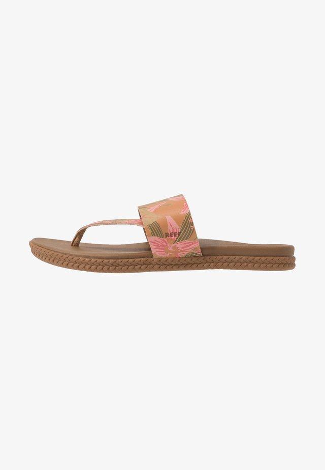 CUSHION BOUNCE SOL  - Sandály s odděleným palcem - light pink