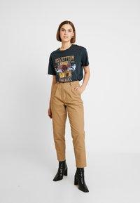 Neuw - DEEDEE PANT - Trousers - camel - 1