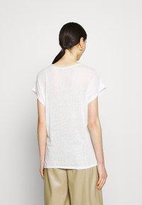 ONLY - ONLRHINA LIFE FLOWER - Print T-shirt - bright white - 2