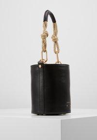 Vanessa Bruno - HOLLY MINI SEAU - Handbag - noir - 3
