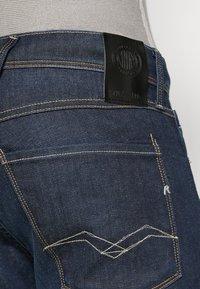 Replay - ANBASS HYPERFLEX RE-USED - Slim fit jeans - dark-blue denim - 6