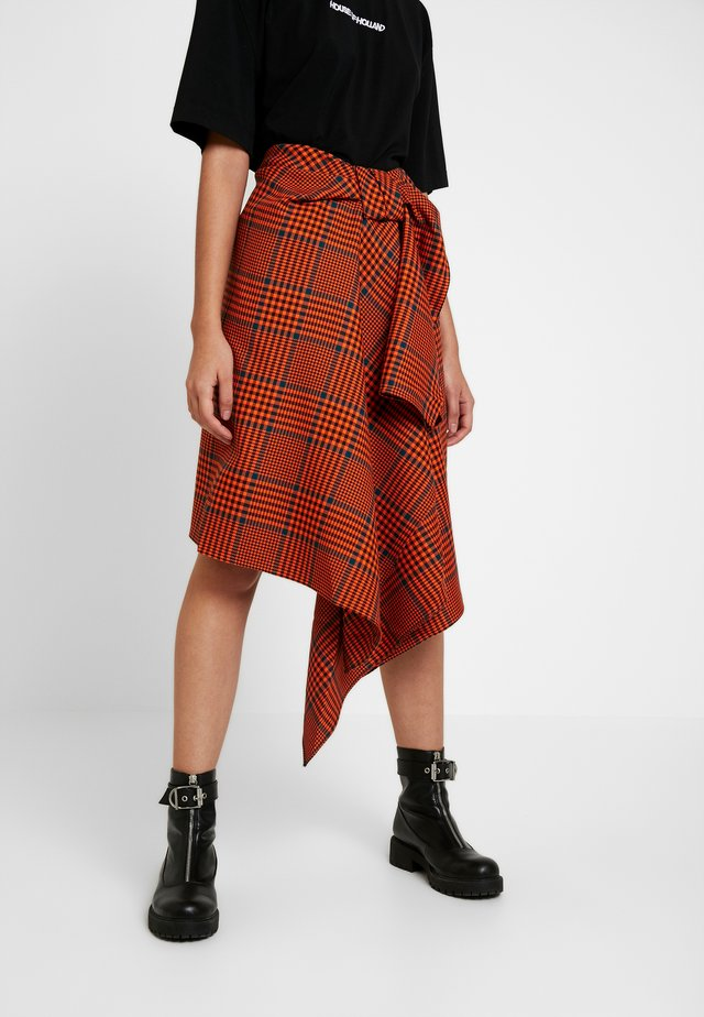 CHECK FOLDED SKIRT - A-line skjørt - orange/black