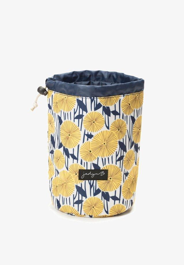 TOP COMPACT TRAVEL - Kosmetická taška - yellow flower
