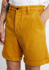Nudie Jeans - LUKE - Denim shorts - tumeric - 4