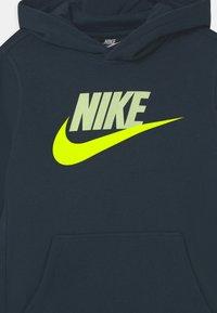 Nike Sportswear - CLUB - Bluza z kapturem - deep ocean/barely volt - 2