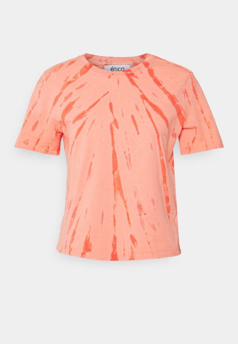 Ética - EVIE - Print T-shirt - thunder lightning fire coral