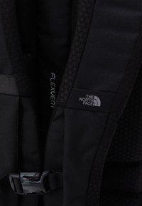 The North Face - VAULT UNISEX - Ryggsekk - black - 4