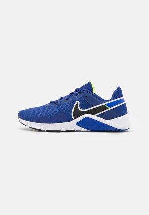 LEGEND ESSENTIAL 2 - Chaussures d'entraînement et de fitness - deep royal blue/black/racer blue/volt/white