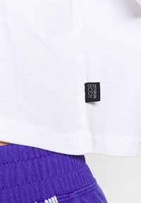 Cotton On Body - RELAXED ACTIVE - T-shirt z nadrukiem - white - 5