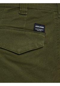 Jack & Jones - Pantalones cargo - olive night - 6