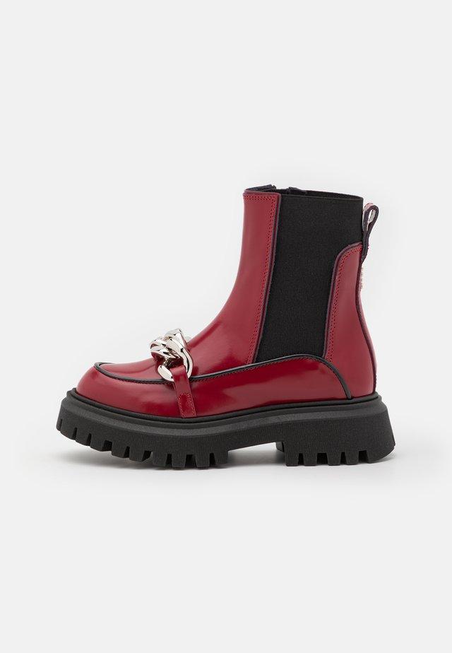 Kotníkové boty - red