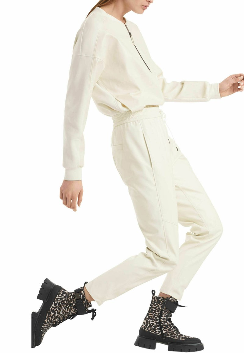 Marc Cain - Tracksuit bottoms - offwhite