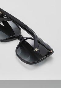 Gucci - GG0022S - Solbriller - black/grey - 4