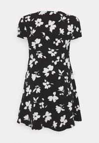 Anna Field Curvy - Day dress - black/white - 6