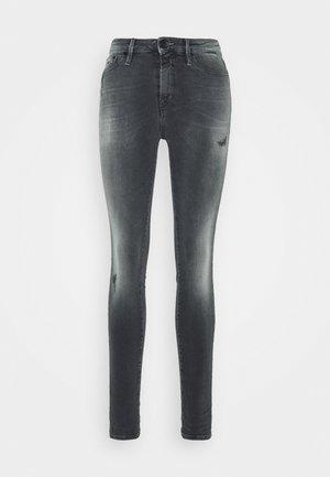 NEEDLE - Skinny džíny - black