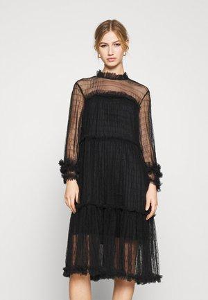 YASALORA DRESS - Kjole - black