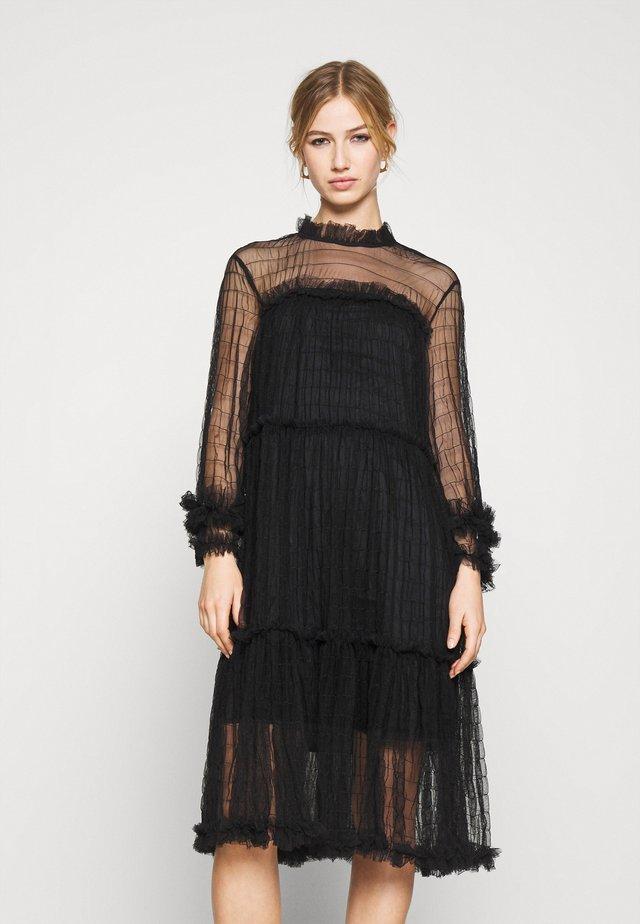YASALORA DRESS - Korte jurk - black