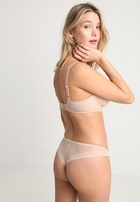 Triumph - ESSENTIAL  - Underwired bra - smooth skin - 2