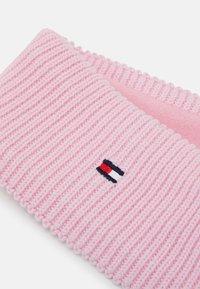 Tommy Hilfiger - FLAG HEADBAND - Ohrenwärmer - pink - 2