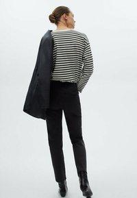 Massimo Dutti - MIT HOHEM BUND - Pantalon classique - black - 1