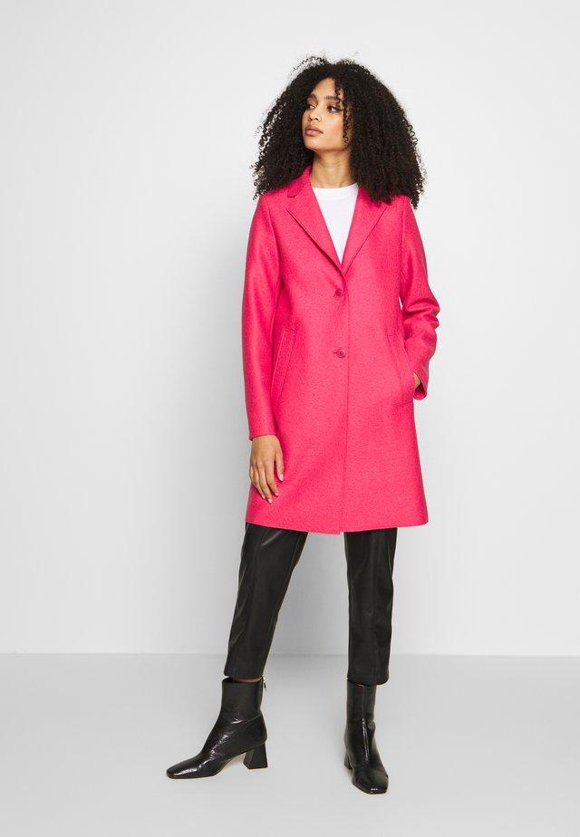 Manteau classique - blazing berry