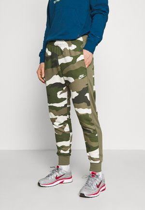 CLUB CAMO - Spodnie treningowe - medium olive/summit white