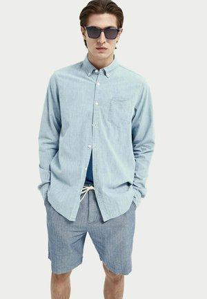 REGULAR FIT - Shirt - bleached indigo