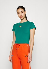 Ellesse - ROSEMUND TEE - T-shirts print - green - 0