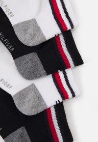 Tommy Hilfiger - KIDS ICONIC SPORTS QUARTER 4 PACK - Socks - black - 1